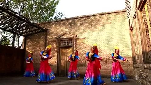 中华女子学院毕业舞蹈展示 太美了!仿佛到了女儿国