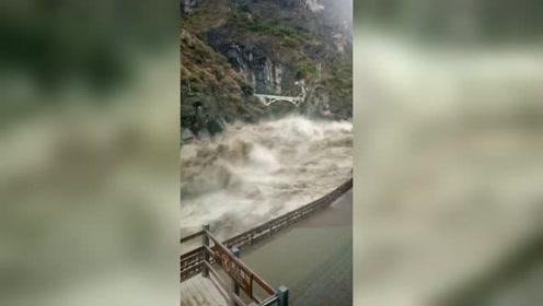 丽江迎最大洪灾:虎跳峡景区洪水凶猛,长江第一湾一片汪洋
