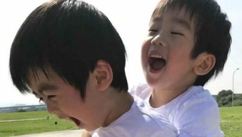 林志颖夫妇双胞胎儿子近照 兄弟俩开心玩抱抱温馨十足