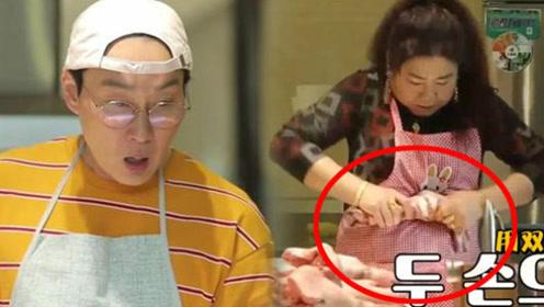 中国婆婆徒手掰断猪蹄 做100人份大锅饭厨艺吓到韩星