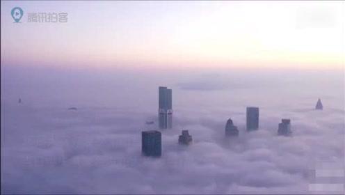 大雾笼罩下的南京整个城市幻如仙境 能见度不足百米