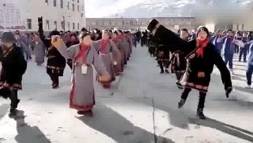 藏族学生的课间操,原来是这么的 厉害了