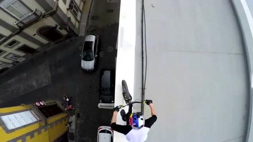 一辆自行车就可以穿越一座城市的屋顶!飞檐走壁不在话下