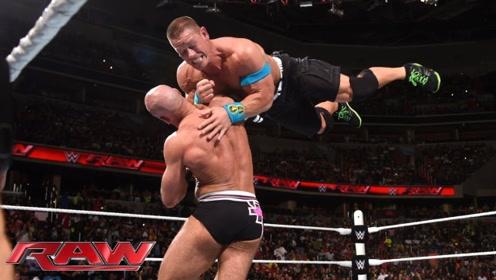 WWE超级巨星塞纳,硬抗对手攻击,下一秒的举动让观众疯狂!