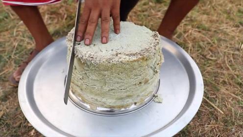 印度大户人家,用鸡蛋做美食,一刀切下去,看看是什么样子