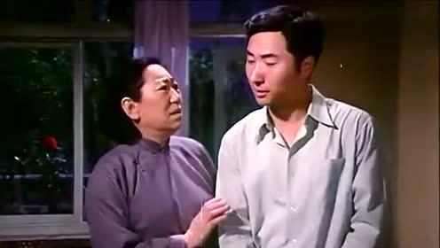 陈佩斯经典喜剧,陈强刘晓庆看陈佩斯演出,刘晓庆把陈强吓跑了!