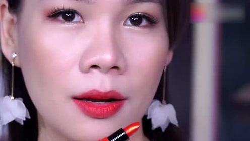 爱丽小屋圆形口红套盒试色,还是大红色唇妆好看!