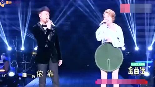 金曲捞:陈冰现场唤醒《大雨》与李克勤同台演绎 美呆了!