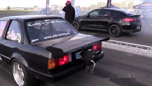 950马力奔驰GLC63s提速有多快?做个测试,跟奥迪比一下就知道了