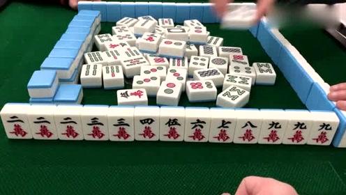 麻将:牌友点炮三万不要,小伙自摸九万居然开杠,竟成就一把天牌!