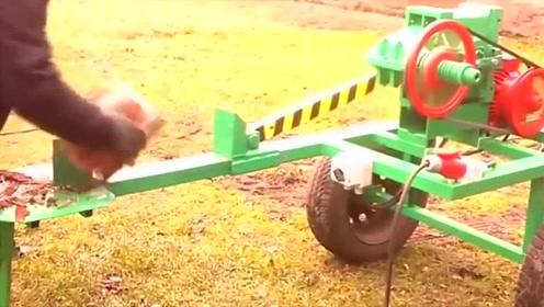 科技探秘:牛人自制发明的劈柴机!用起来非常顺手
