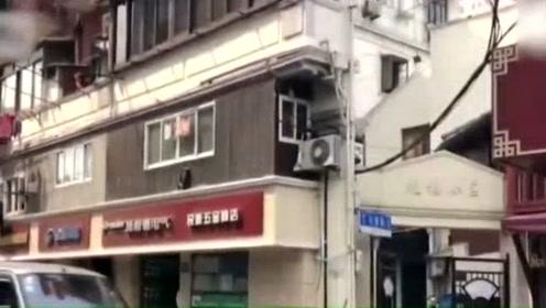 震撼!上海纸片楼成网红景点 最薄处仅20厘米