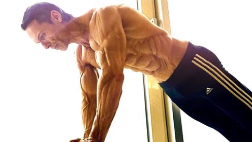 体脂率3%的人长什么样?皮肉分离肌肉拉丝!视觉冲击秒杀李小龙