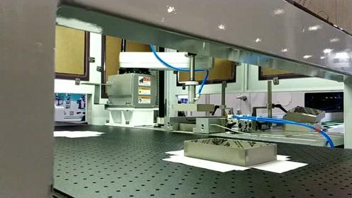 鸿铭6418D高速全自动智能天地盖制盒机,一分钟可做40个!