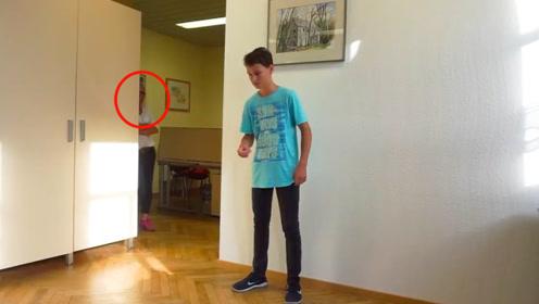 12岁少年手上功夫真厉害,1秒钟5次,1分钟334次创世界纪录