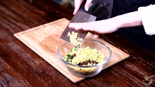 把菜吃出了肉的味道,只有韭菜盒子才能做出来了,每次吃仨还不过瘾