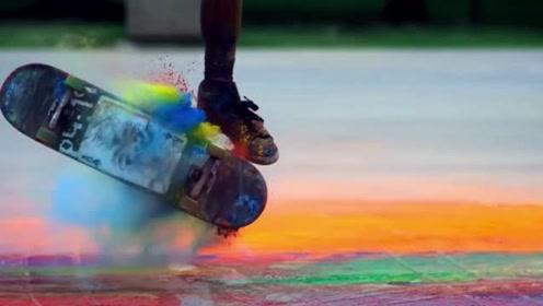 视觉盛宴!艺术少年用滑板画出彩色人生