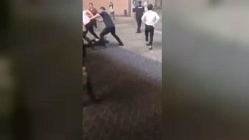 洗脚城发生多人纠纷 一男子被围殴后身亡