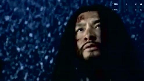 大结局:岳飞死的那一刻,皇上来到寺庙,说出杀死岳飞的心里话