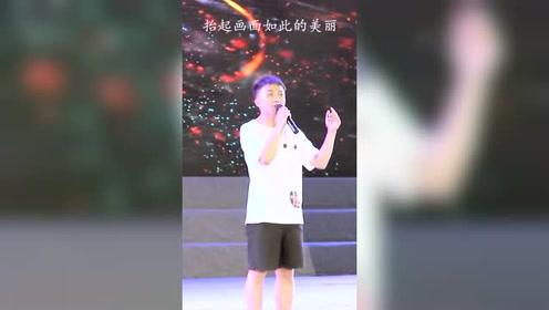 大学生翻唱《清明上河图》火了,网友直呼:李玉刚幸亏出道早!