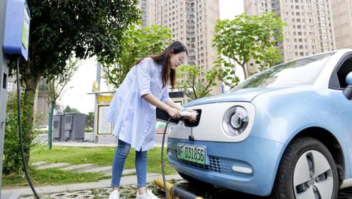 城市通勤一周不充电,续航351km,欧拉R1女生怎么评价它