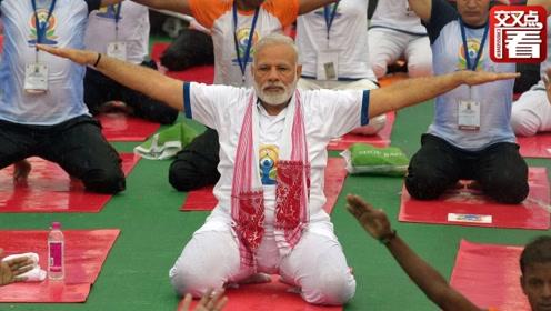 """噱头还是真管用?印度总理莫迪""""卡通版""""形象每天网上教瑜伽"""
