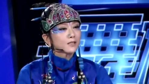 杨丽萍旧照:脸就跟普通人不一样,是真骨骼清奇,被手关节吸引了