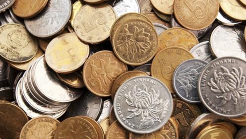 为什么卫生间里要放枚硬币?作用真厉害,家家户户实用,立马学学