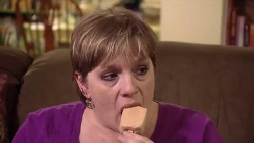 国外大妈每天吃40个冰淇淋,持续了十几年,无论如何戒不掉