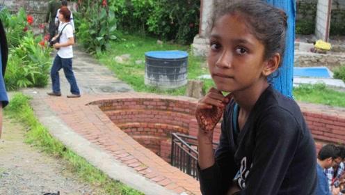 尼泊尔著名的露天火葬场,每天很多孩子蹲守,究竟怎么回事?