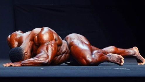 健美界肌肉巨兽!重达236斤大块头,却在吃饭时轰然去世
