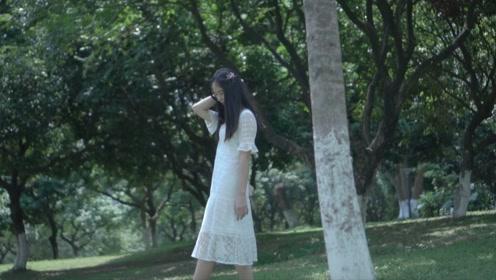 优雅蕾丝裙,在夏日的草地上化身翩翩仙子