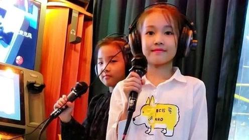 见过童模宋小睿和二美丽一起在KTV唱歌吗,简直不要太好听!