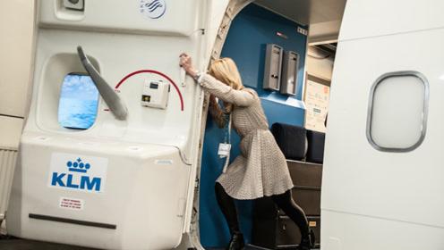 科技已如此发达,飞机为何不采用电动舱门,还要空姐手动关闭呢?