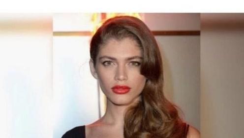 维密签约世界首个变性人模特,看到真面孔后,女人们都自叹不如!