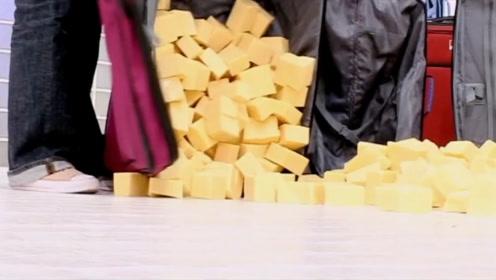 奇葩女子迷恋奶酪30年,每年吃400公斤,医生的诊断让她发慌