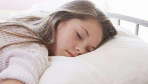 """提个醒:睡觉时有3种""""怪像"""",心脏病已来临,别硬撑到猝死!"""