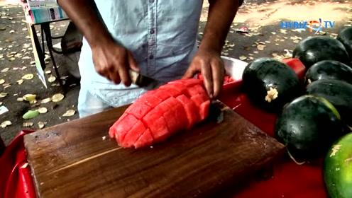 水果涨价了,就西瓜最便宜,这种吃法让你吃个饱