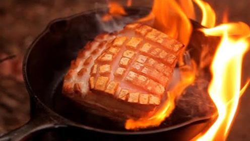 韩国小哥野炊,烤肉有如整容一般完美,整个过程干净的无可挑剔!