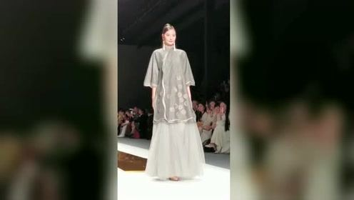 时尚T台秀,展现中国服饰之美,快来围观