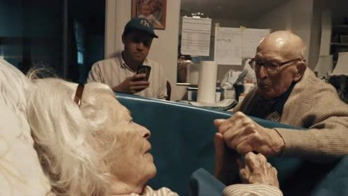 105岁老人深情表白老伴,我爱了你80年,太感人了!