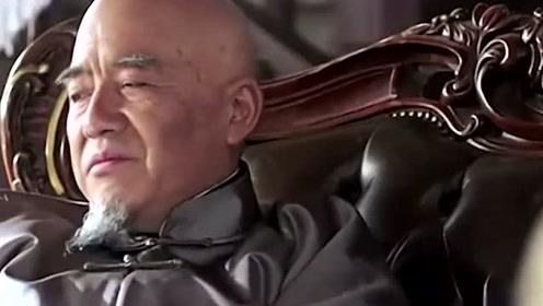 他把借的钱全部藏在柜子里,按时还款,多年后成为亿万富翁