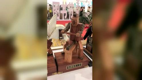 鲁班做木匠活被制成玩具,传统文化高手在民间