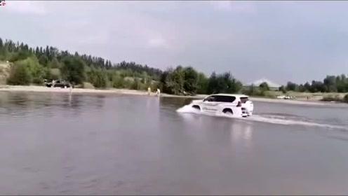 实拍山西汾河浅滩上一幕 多辆越野车冲进河道