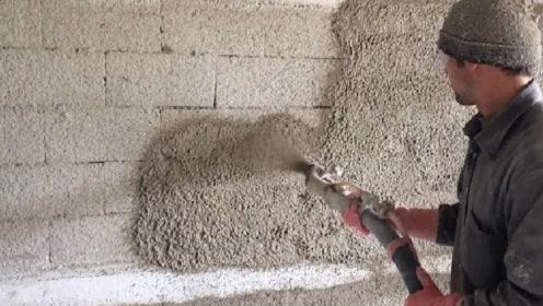 男子发明高效抹墙机,效率是人工的20倍,一天能抹5栋房子