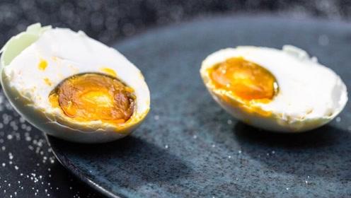 """咸鸭蛋黄中的""""油""""是从哪来的?不管好坏,再喜欢也不能多吃"""