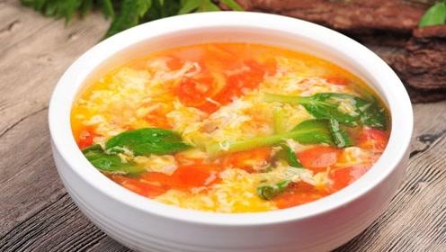做西红柿汤时,先炒西红柿还是先加水,很多人做错,难怪不好喝