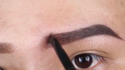有弧度的眉毛才是真的好看,别再追着一字眉不放了!