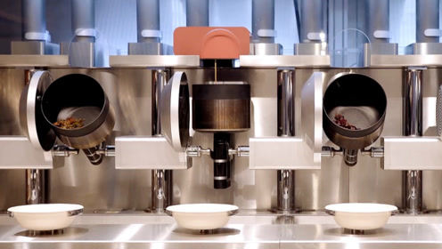 大厨们要失业?大学生研发机器人厨师,3分钟做好饭