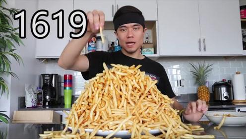 小哥幻想自己有病,靠吃薯条才能治好,逼自己吃下1620根薯条